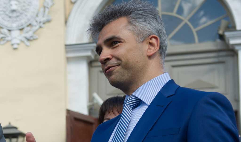 Рябовол объяснил, почему в Петербурге погасли новогодние украшения