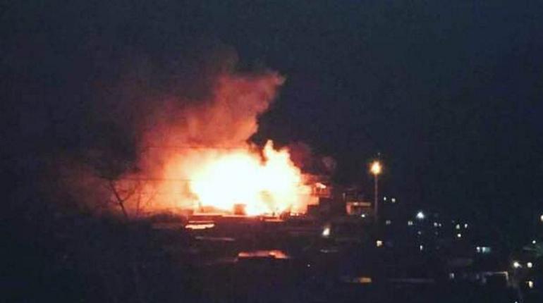 Туристический автобус загорелся в Греции