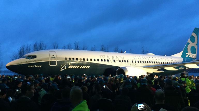 В США из-за проблем с двигателем экстренно приземлился Boeing 737 MAX