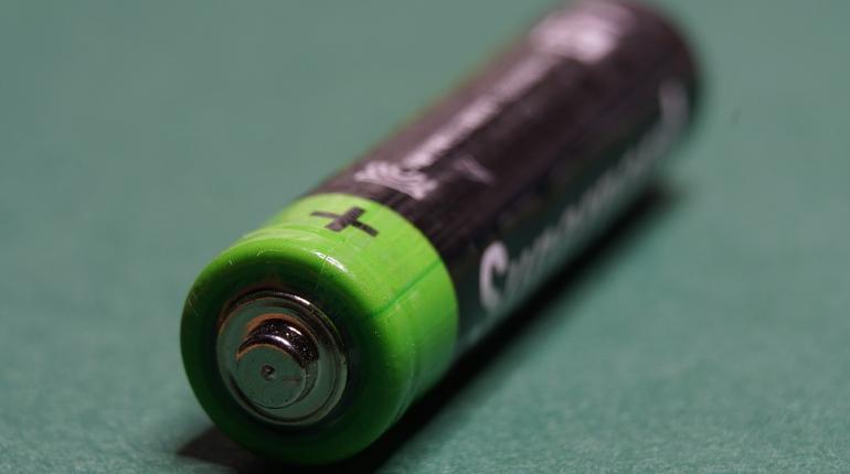 Младенец поужинал батарейкой в Красногвардейском районе