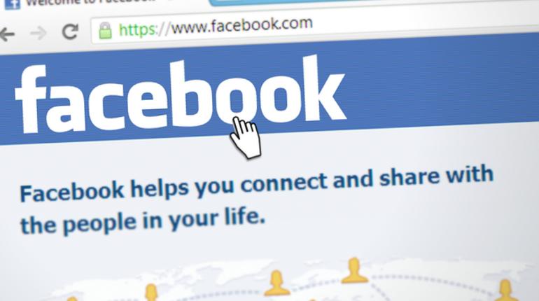 Facebook признал, что прослушивает голосовые сообщения пользователей