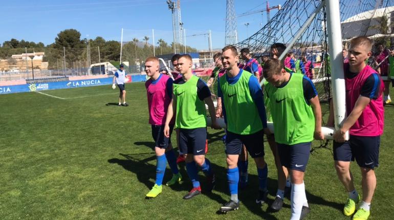 Вратарь «Ленинградца» сыграет в сборной России