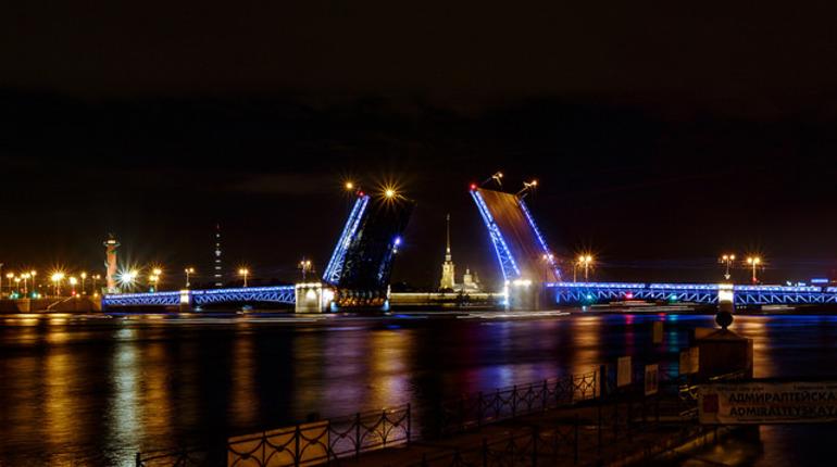 Дворцовый мост примет участие в праздновании Дня святого Патрика