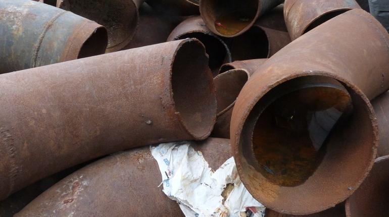 В Кронштадте превентивно поменяли аварийную трубу