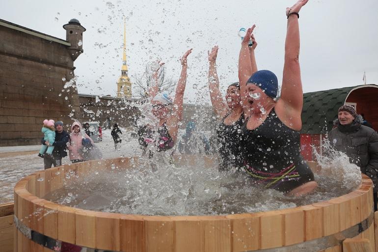 Первый этап Кубка Невы по зимнему плаванию состоялся в Петербурге. Фото: Мойка78/ Валентин Егоршин