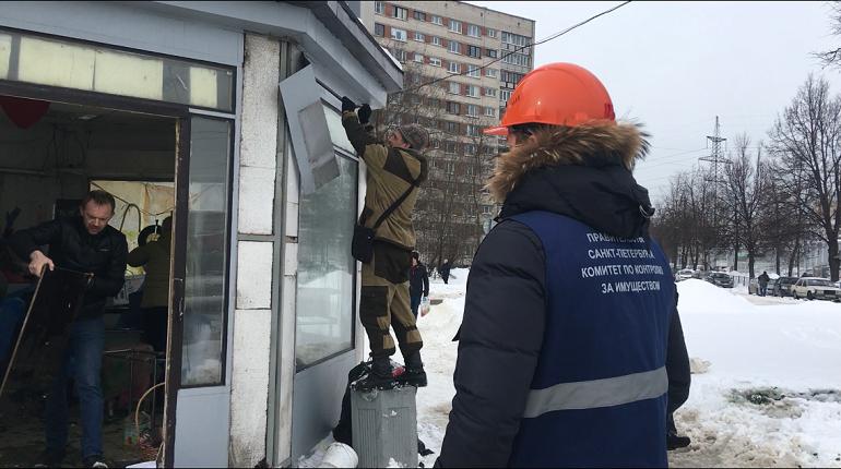 На проспекте Энергетиков демонтировали три незаконных павильона