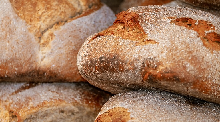 Прокуратура нашла в Кировском районе хлеб из будущего