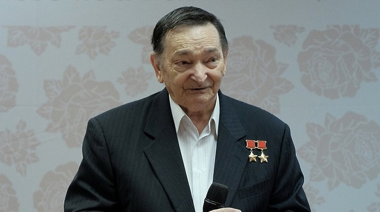 Скончался дважды Герой СССР, космонавт Быковский