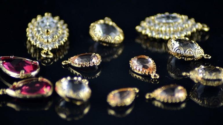 Дама с крючком похитила драгоценности в ночи на Полюстровском. Фото: pixabay.com