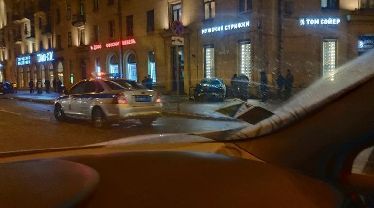 Авария на Стачек, 44. Фото: vk.com/spb_today