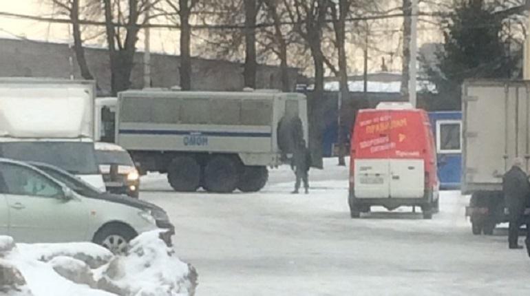 Следственный комитет прикрыл овощебазу в Калининском районе. Фото: