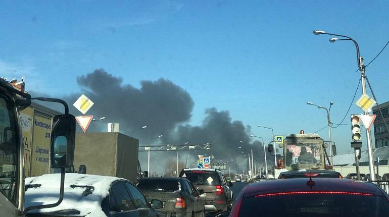 Дым на Обводном канале. Фото: группа