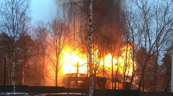 Пожар во Всеволожске. Фото: vk.com/vsevolozhsk_vk