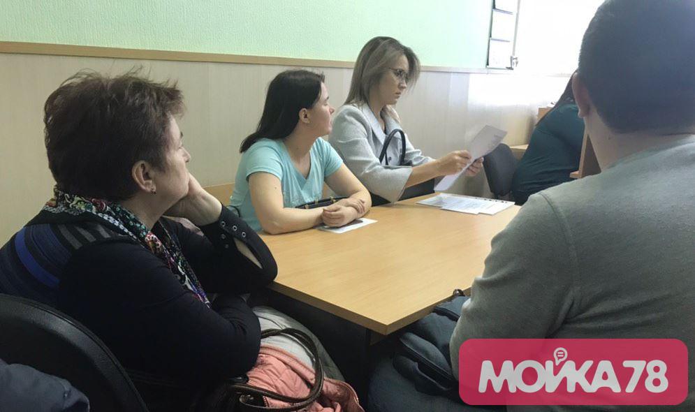 Дольщики ЖК в Янино пришли в суд из-за стульев и шкафов за 11 тысяч рублей