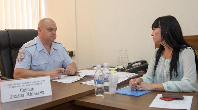 Главный инспектор МВД выслушает жалобы на петербургский главк