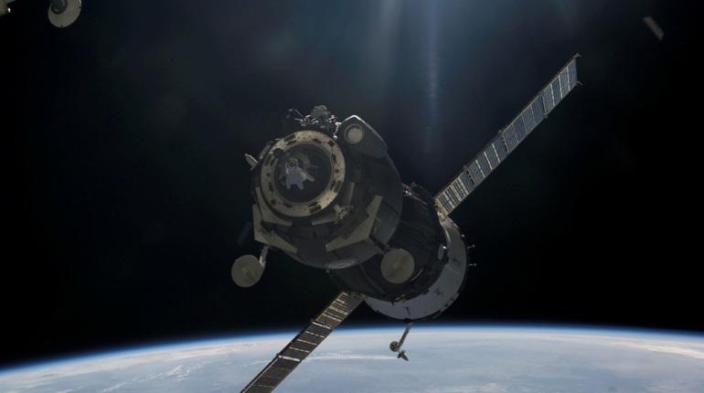 Экипаж МКС завершил изоляцию в российском молуле