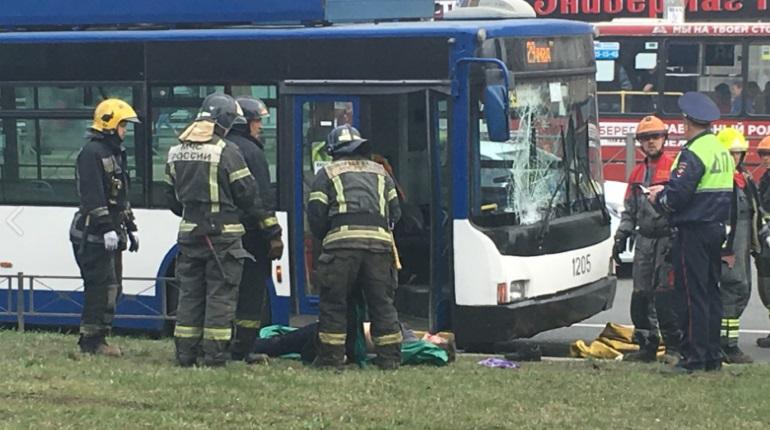 Троллейбус насмерть сбил пешехода на Ленинском