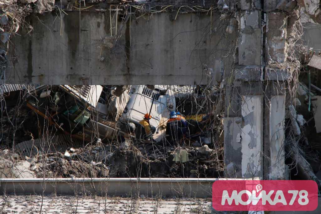Смертельное падение экскаватора у «Северной короны» попало на видео
