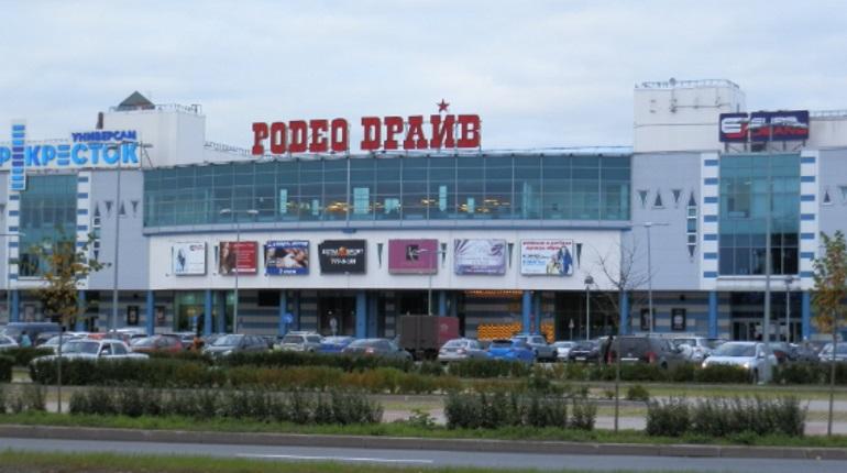 В администрации ТК «Родео Драйв» отрицают обрушение потолка