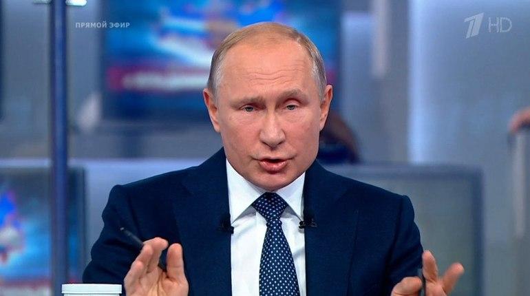 Прямая линия: о чем просят и на что жалуются Путину жители Петербурга и Ленобласти