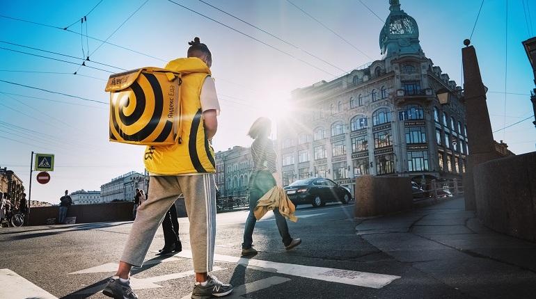 В Петербурге гибнут курьеры по доставке еды