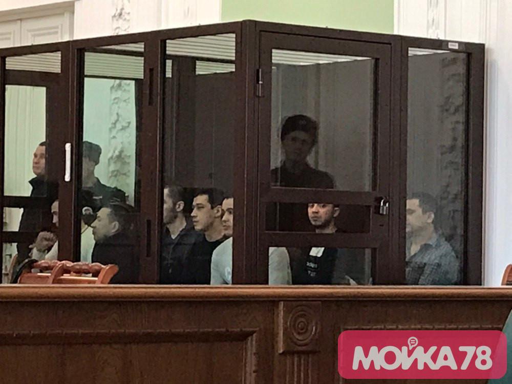 Адвокат попросил суд оправдать четверых фигурантов дела о теракте в метро