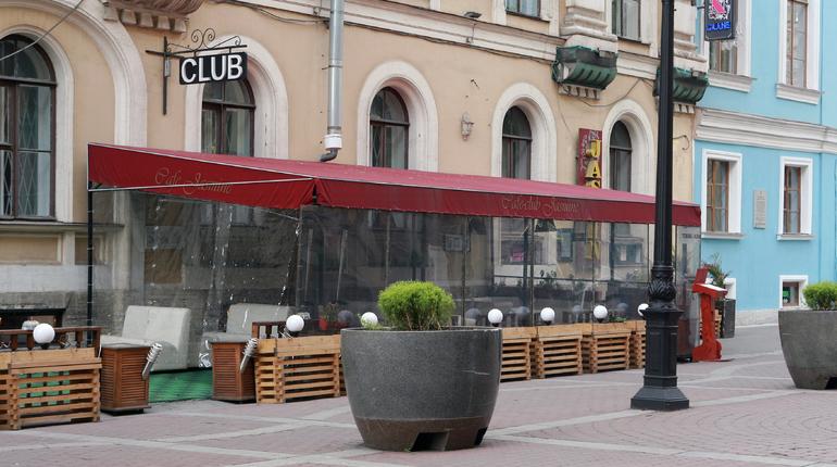 КИО заключил больше 400 договоров на летние кафе