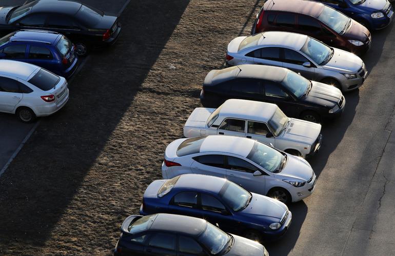 Водители выступили против закрытия Невского проспекта для старых машин