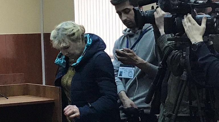 Мать Филинкова во время судебного заседания. Фото: Мойка78