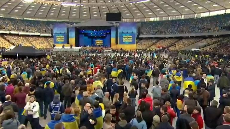 Дебаты на коленях: как прошла встреча Порошенко и Зеленского