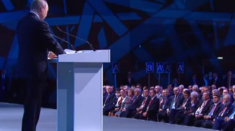 Путин раскритиковал добычу нефти в США