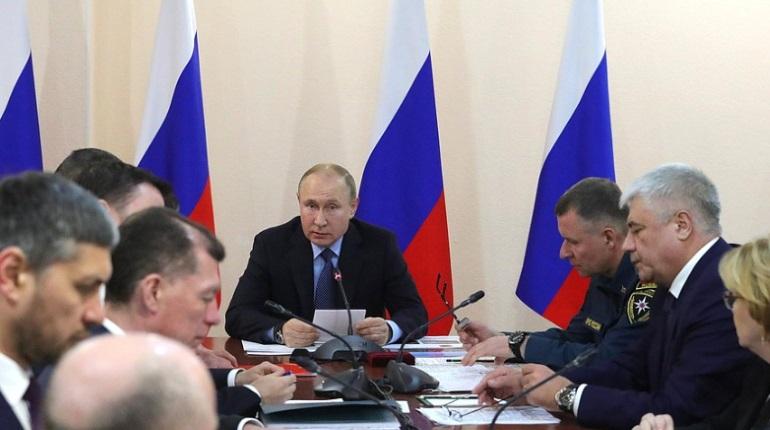 Владимир Путин на совещании по пожарам. Фото: пресс-служба Кремля