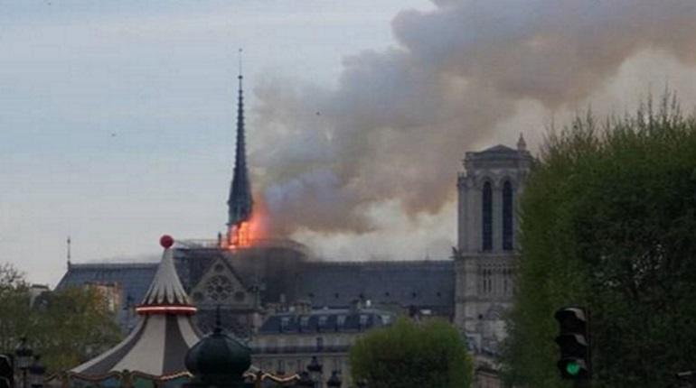 Пожар в Париже. Фото: Instagram