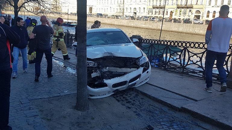 ДТП на Невском проспекте. Фото: vk.com/spb_today
