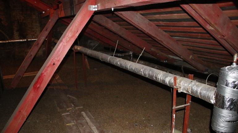 ЖКС Кронштадтского района могут наказать за протекающие крыши