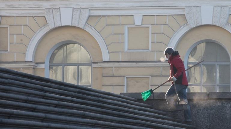 В Петербурге убрали почти 12 тысяч дворов