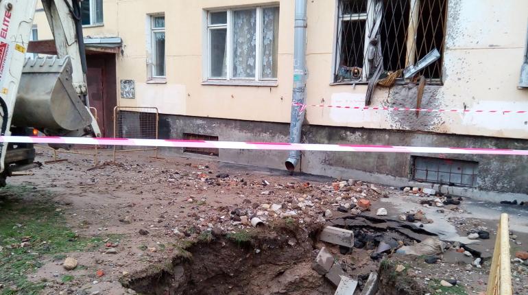 Стали известны подробности смертельного прорыва трубы на 2-й Комсомольской