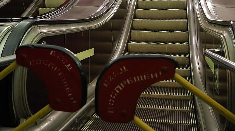 Метро Петербурга с 1 апреля будет работать только до 22:00