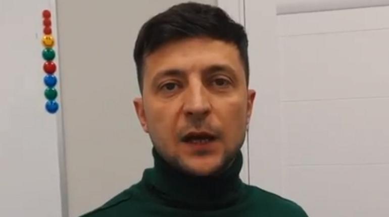 Украина закрывается на карантин: Зеленский позвал украинцев домой