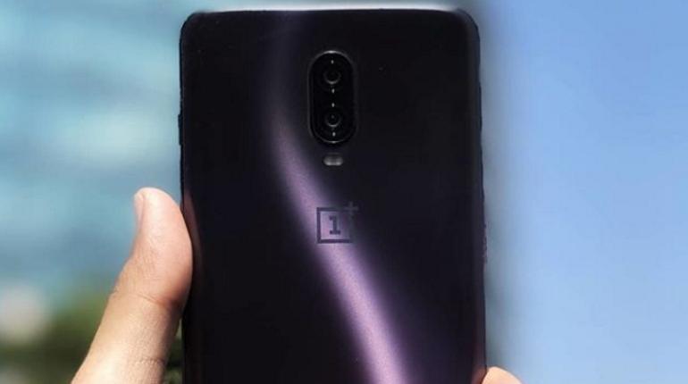 Стало известно, как будет выглядеть новенький смартфон OnePlus 8T