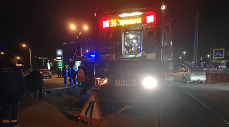 Стали известны подробности смертельного ДТП с трамваем на Буденного