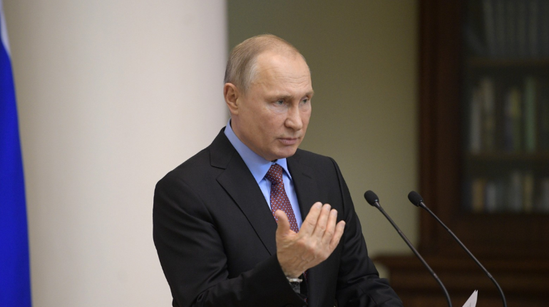 Путин уволил двух генералов после скандала с делом Голунова