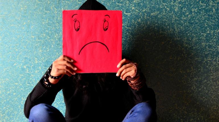 Учёные связали частые переломы с депрессией и стрессом