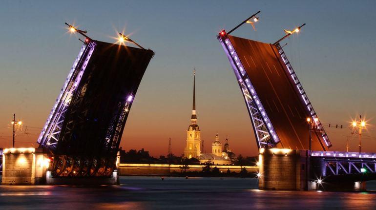 Число туристов из Италии в Петербурге выросло в 1,5 раза