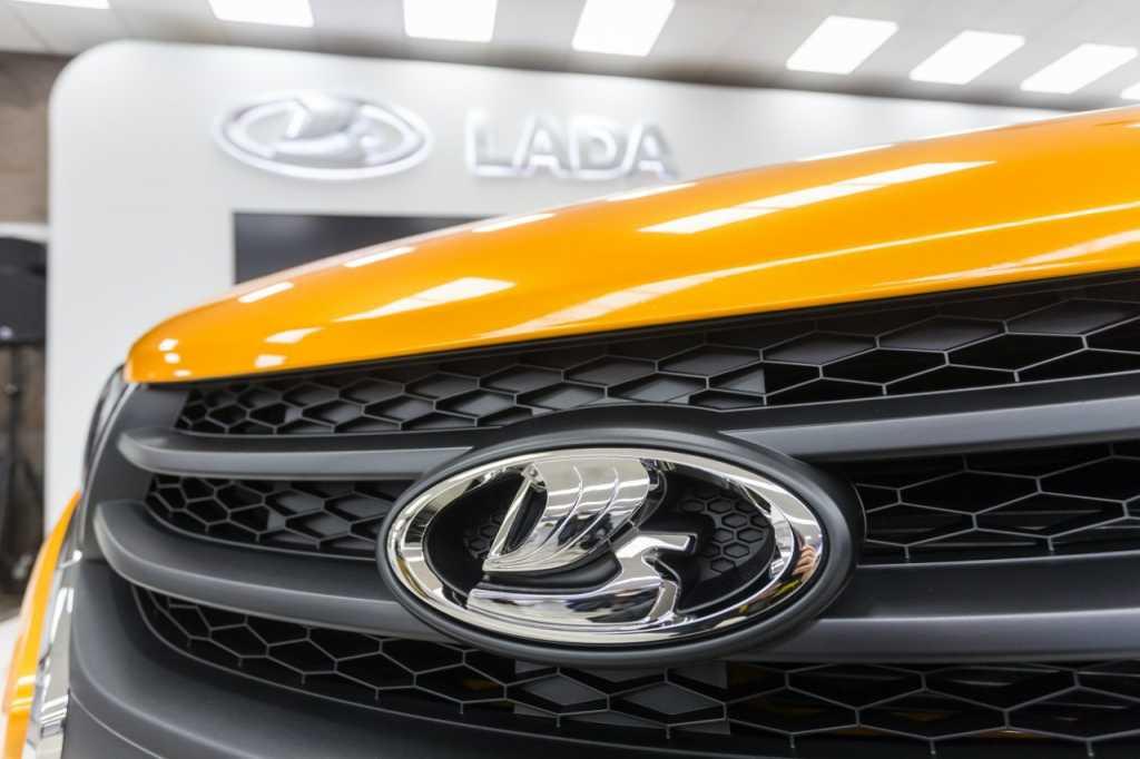Деньги врозь: петербуржец перепродал кредитную Lada подруги из Петергофа