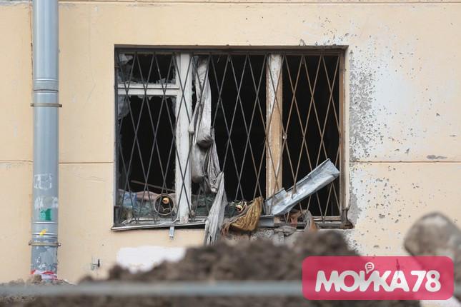 Место прорыва трубы на 2-й Комсомольской. Фото: Мойка78/Валентин Егоршин