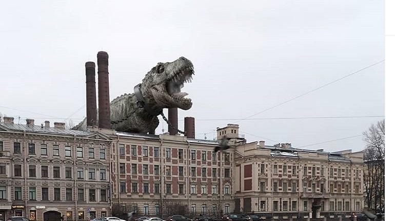 Художник «захватил» Петербург гигантскими насекомыми и динозаврами