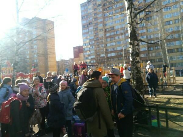 Занятия в пяти школах Петербурга прервали из-за угрозы минирования