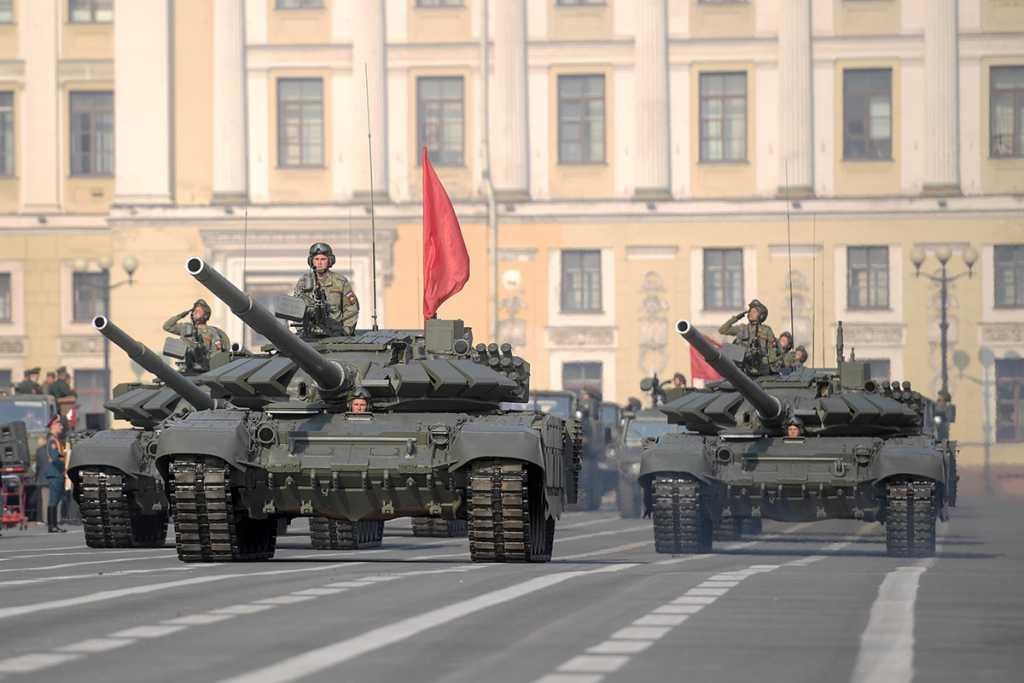 Петербуржцам покажут военную технику, которая будет на Параде