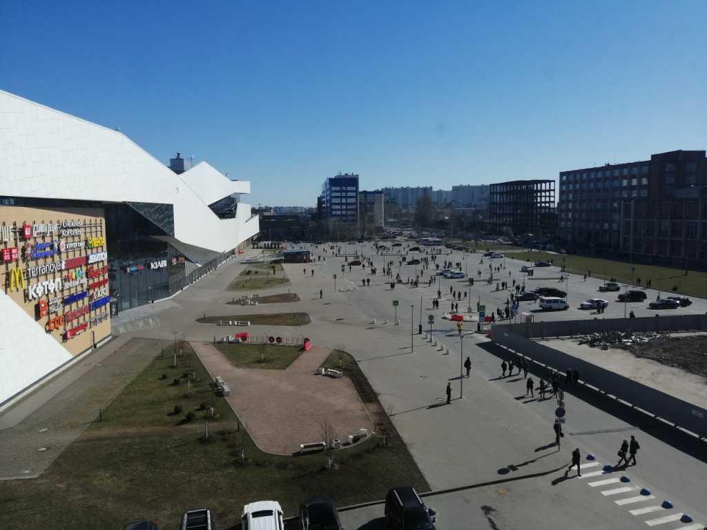 Массовые эвакуации в Петербурге затронули отделения ПФР и торговые центры